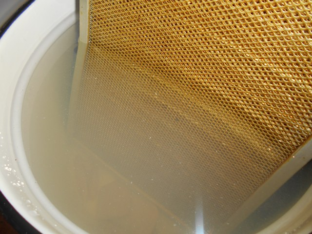 как почистить фильтр вытяжки