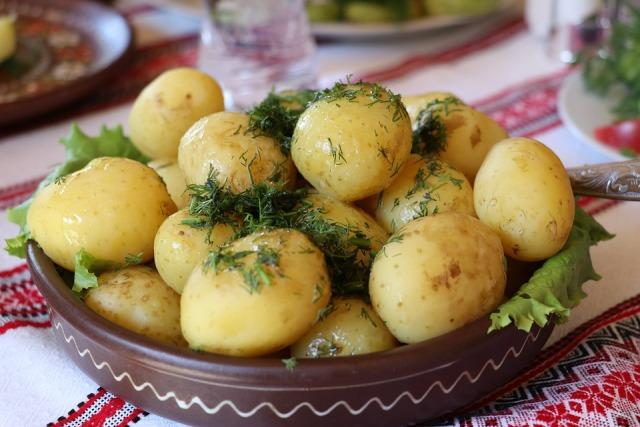 чем полезен молодой картофель