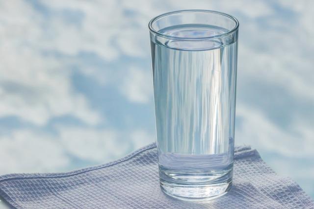 пить воду ночью полезно
